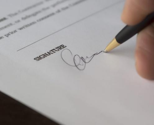 El TS exculpa a una mujer de pagar una deuda por unos préstamos firmados por su marido sin su consentimiento